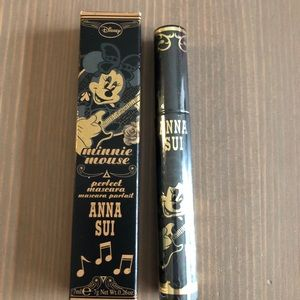 Anna Sui x Minnie Mouse collection black mascara